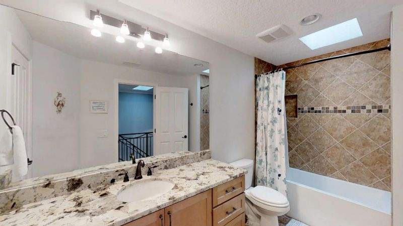Luxury-Waterfront-Paradise-in-Cocoa-Beach-02242019_070645