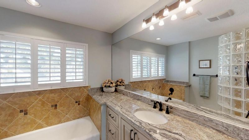 Luxury-Waterfront-Paradise-in-Cocoa-Beach-02242019_071531