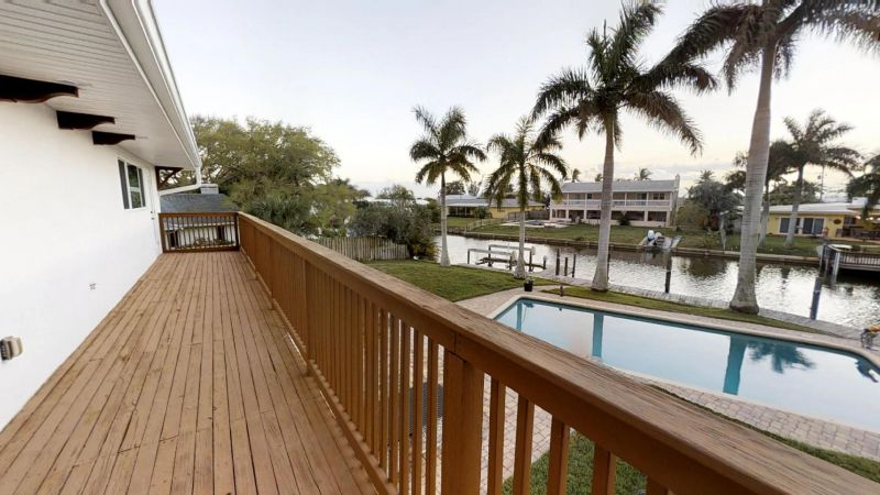 Luxury-Waterfront-Paradise-in-Cocoa-Beach-02242019_073747