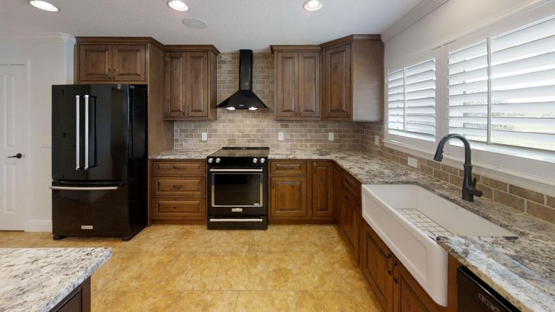 Luxury-Waterfront-Paradise-in-Cocoa-Beach-Kitchen(1)