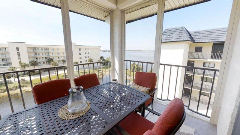 22-Riverfront-Condo-5th-Floor-in-Cocoa-Beach-03032019_073522