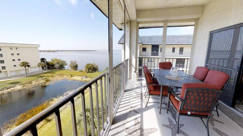 22-Riverfront-Condo-5th-Floor-in-Cocoa-Beach-03032019_073551