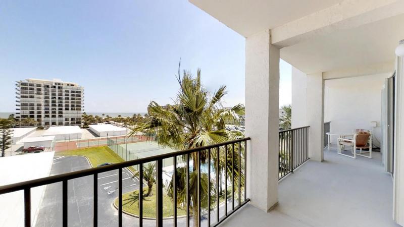 Ocean-View-Condo-in-Heart-of-Cocoa-Beach-03302019_083533