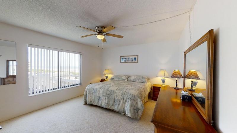 3060-N-Atlantic-Ave-6th-Floor-Corner-Unit-08282020_084143