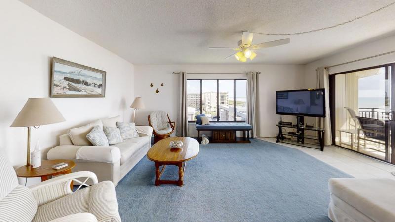3060-N-Atlantic-Ave-6th-Floor-Corner-Unit-Living-Room1