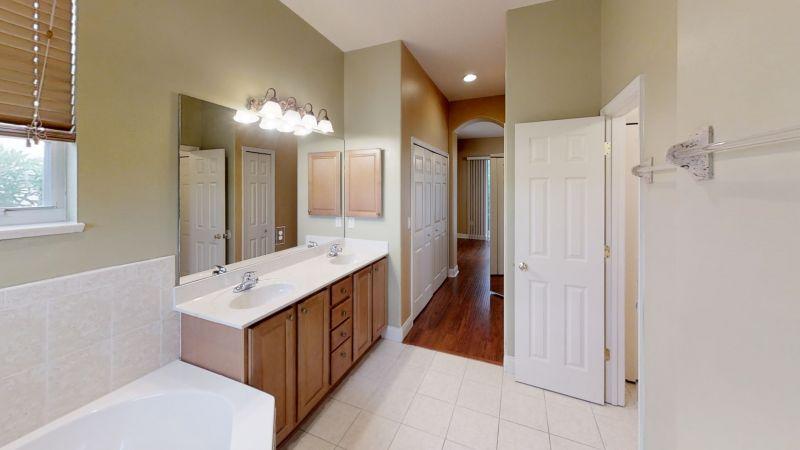 774-Bayside-Cape-Canaveral-Fl-Bathroom