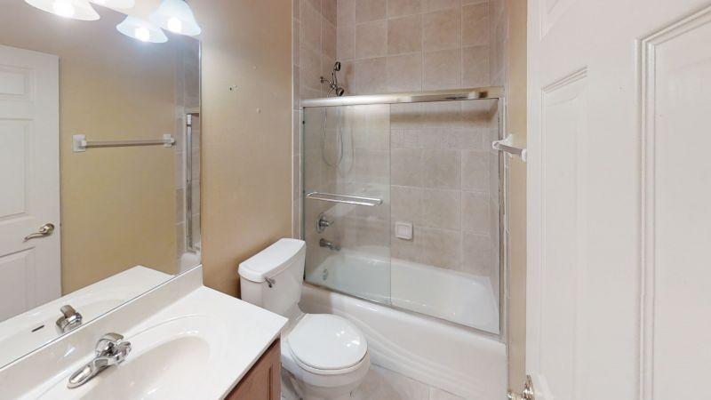 774-Bayside-Cape-Canaveral-Fl-Bathroom(1)