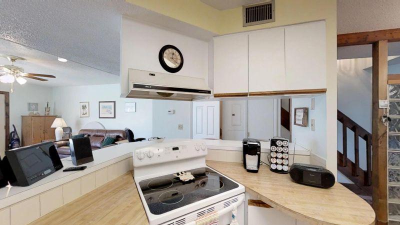 Cozy-2-Bedroom-Townhouse-Near-Port-01292019_203849