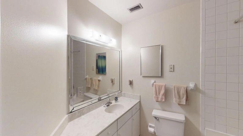Cozy-2-Bedroom-Townhouse-Near-Port-01292019_204521