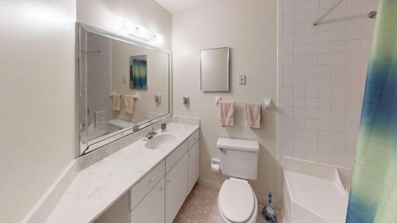 Cozy-2-Bedroom-Townhouse-Near-Port-Bathroom