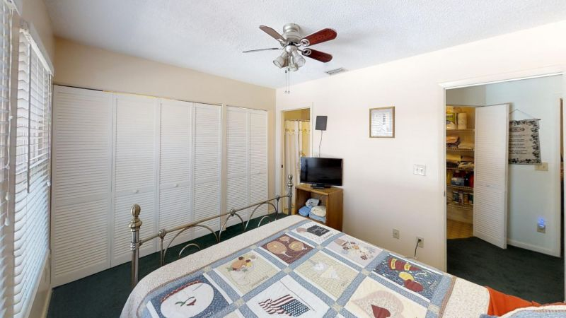 Cozy-2-Bedroom-Townhouse-Near-Port-Bedroom