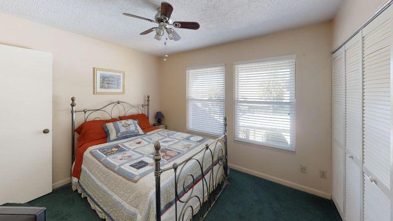 Cozy-2-Bedroom-Townhouse-Near-Port-Bedroom(1)